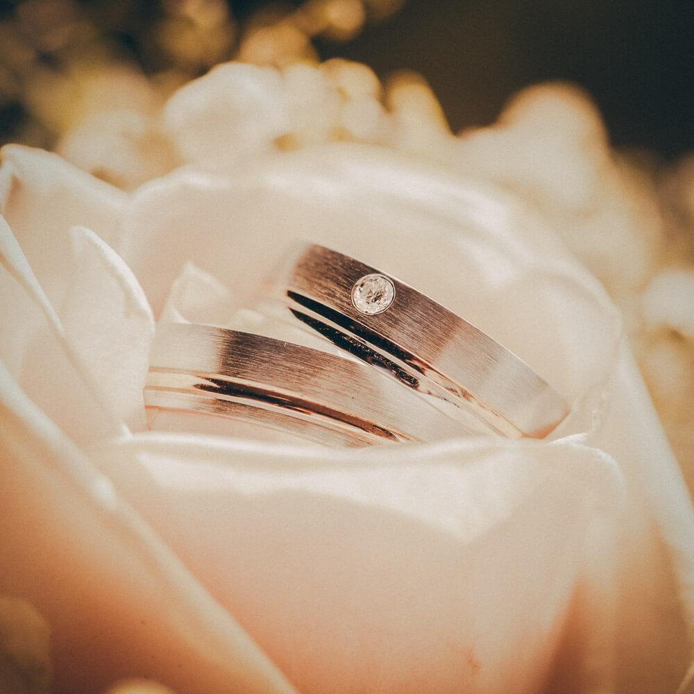 Trouwfoto trouwringen - gemaakt door professionele trouwfotograaf