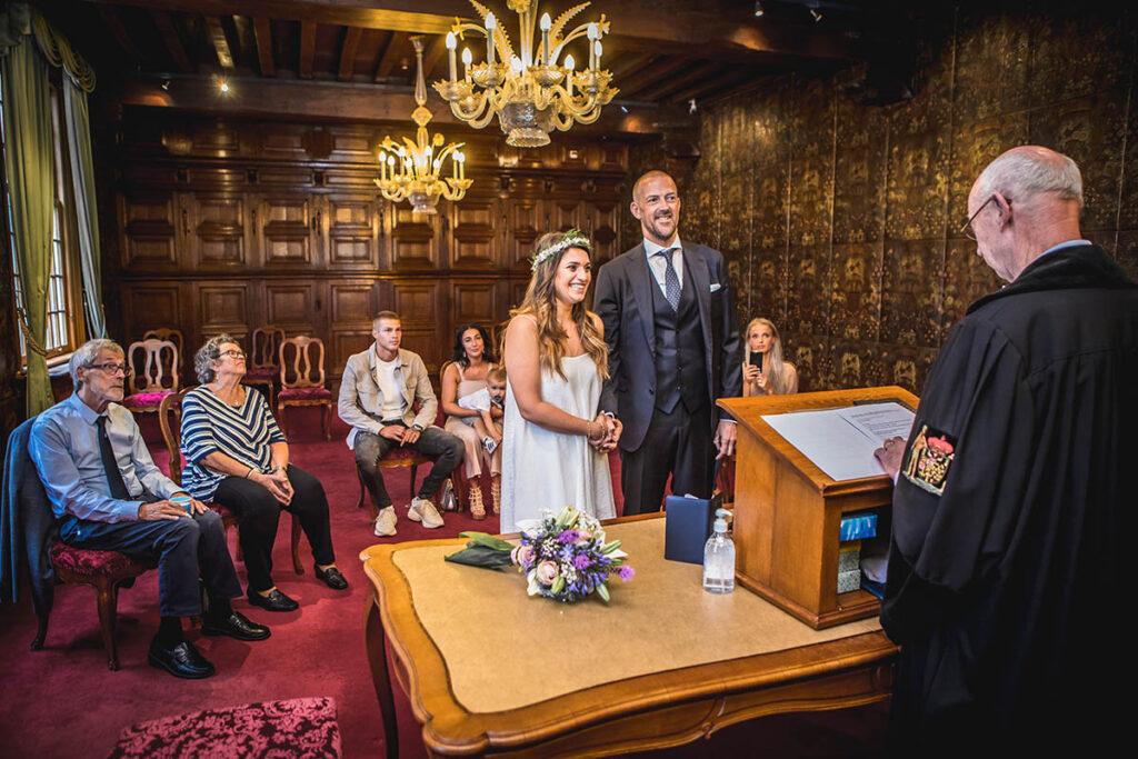 Trouwceremonie op het gemeentehuis Den Bosch tijdens Corona