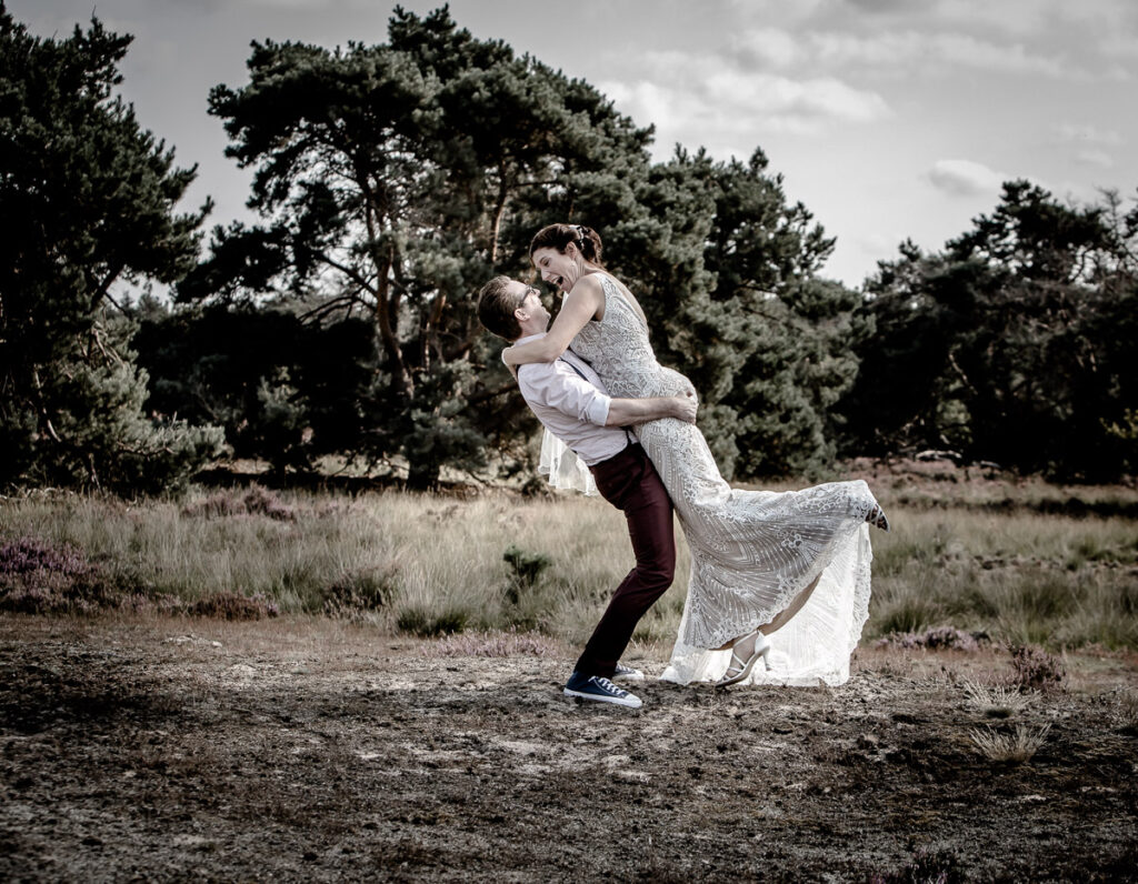 Spontane trouwfotografie trouwfotograaf Brabant